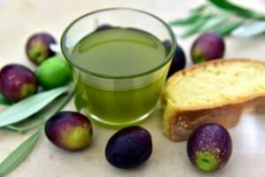 Aceite de Oliva Virgen Extra, ingrediente estrella de las ensaladas verticales.