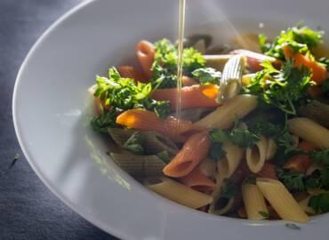 Cómo aliñar ensaladas con AOVE: las cinco claves